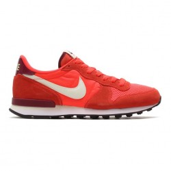 Nike Internationalist Red