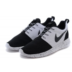 "Roshe Run ""White/Black"" - BelleCose"