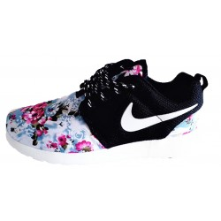 "Roshe Run ""FLORAL PRINT"" NEGRAS - BelleCose"